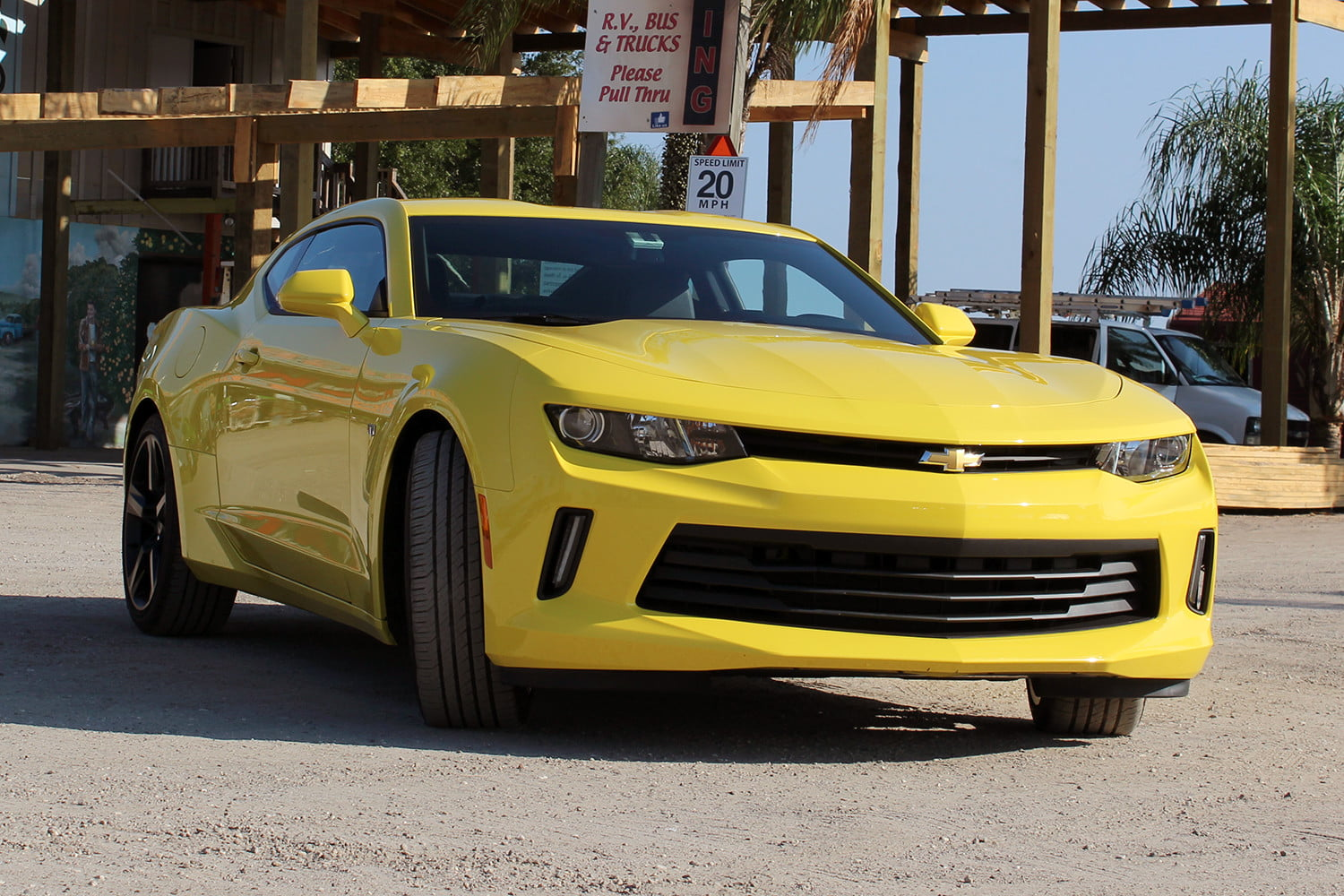 2016 chevrolet camaro first drive digital trends. Black Bedroom Furniture Sets. Home Design Ideas