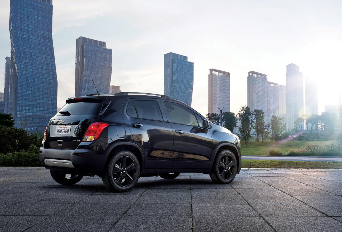 chevrolet trax midnight edition pictures specs