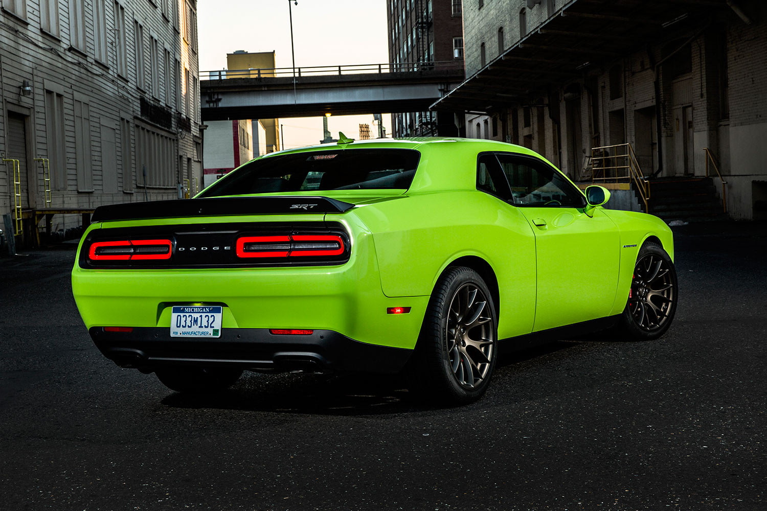 2016 dodge challenger srt hellcat first drive digital trends. Black Bedroom Furniture Sets. Home Design Ideas