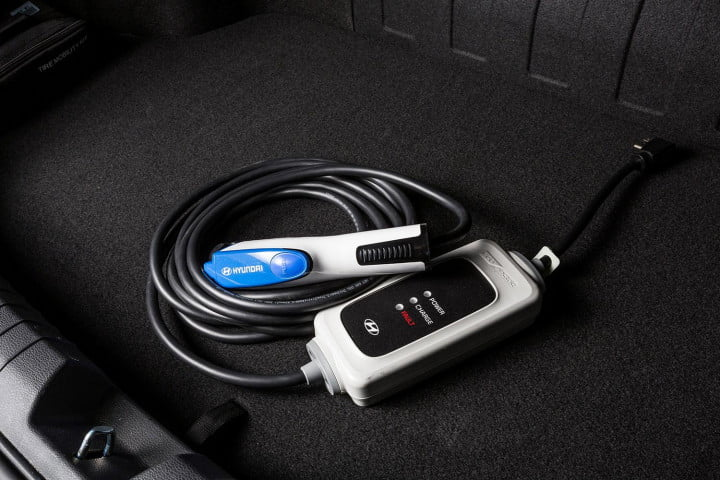 hyundai sonata hybrid plug in first drive charging cable