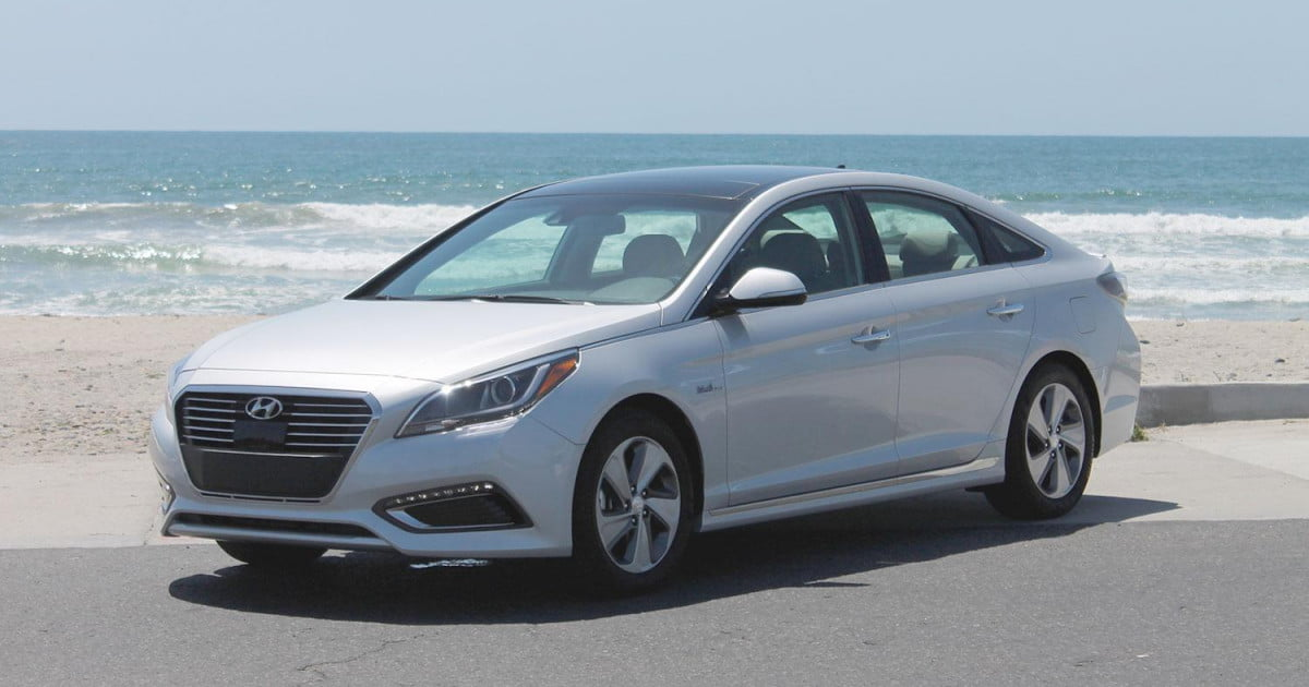 2016 hyundai sonata hybrid plug in hybrid review pictures digital trends. Black Bedroom Furniture Sets. Home Design Ideas