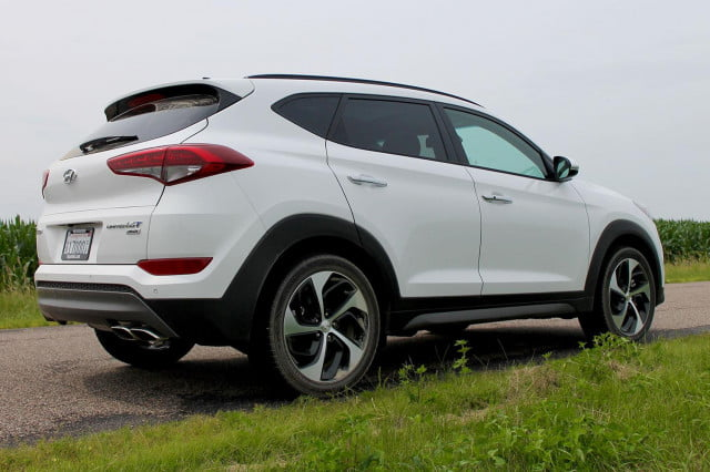 2016 Hyundai Tuscon Limited back angle full