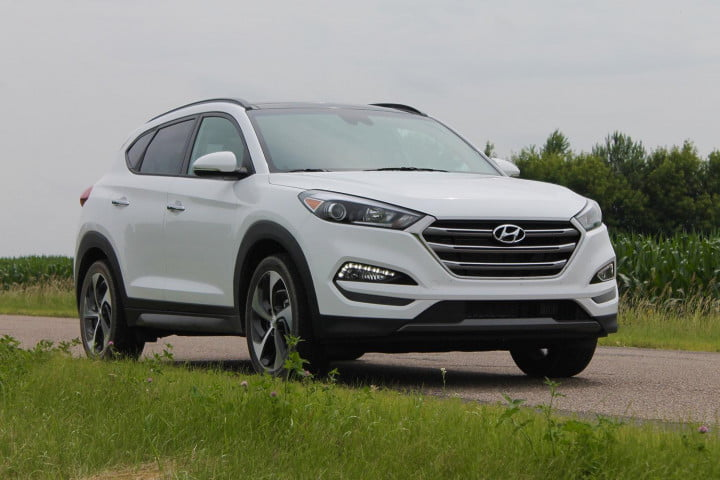 hyundai tucson limited first drive tuscon side angle