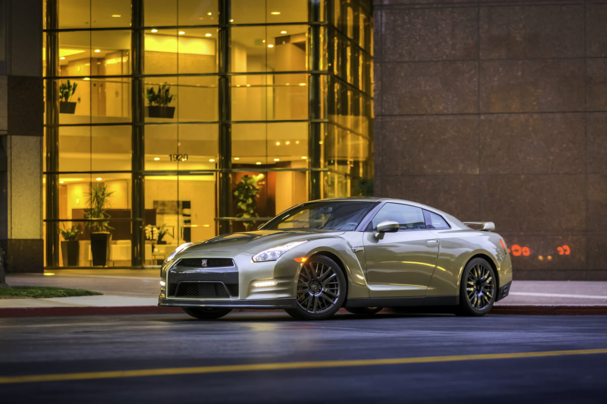 nissan gt r and  z to get autonomous self driving tech