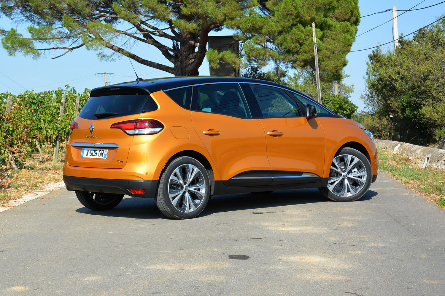 renault scenic hybrid news specs driving impressions digital trends. Black Bedroom Furniture Sets. Home Design Ideas