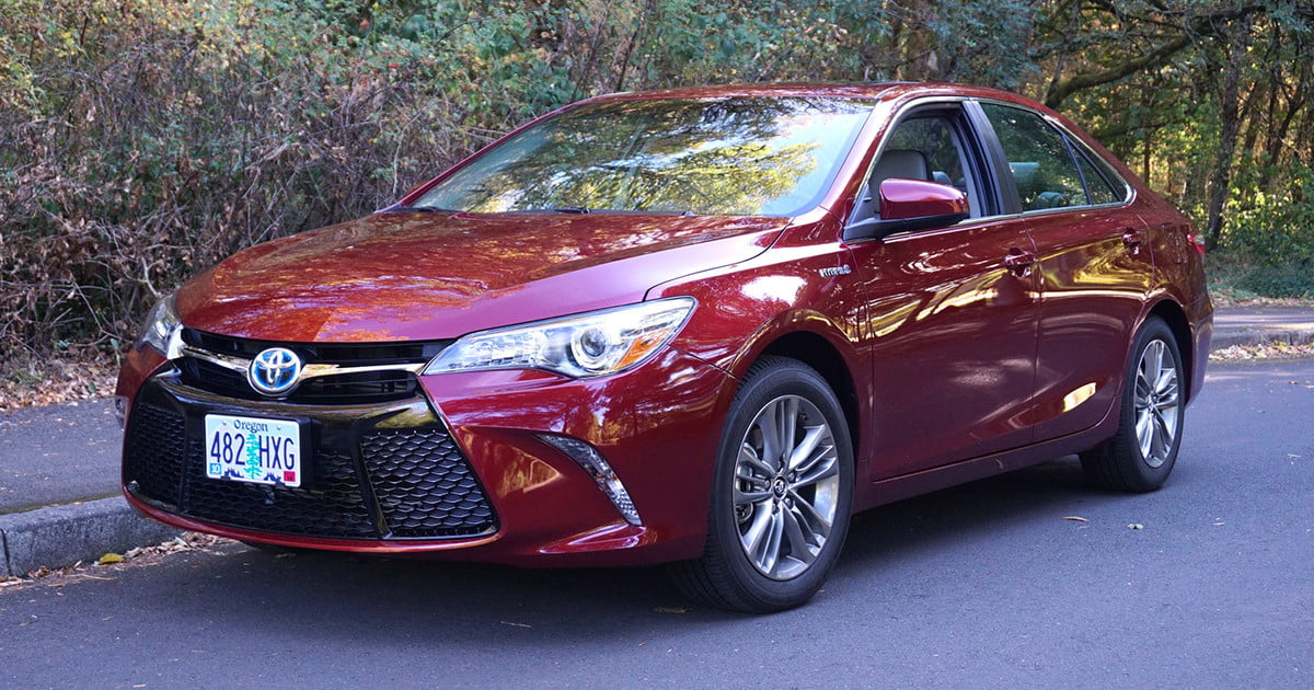 2016 toyota camry review digital trends. Black Bedroom Furniture Sets. Home Design Ideas