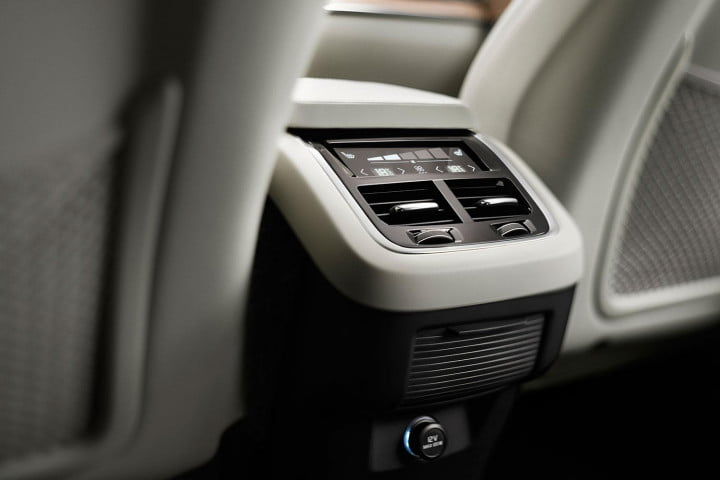 volvo xc first drive interior detail