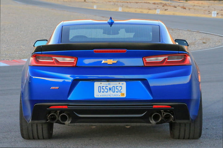 chevrolet camaro le first drive