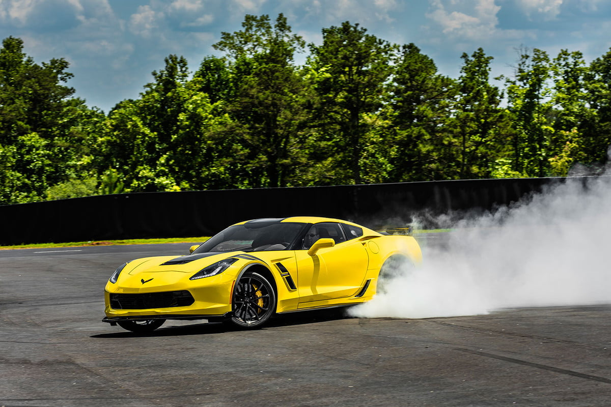 mid engined chevrolet corvette news rumors specs  grand sport