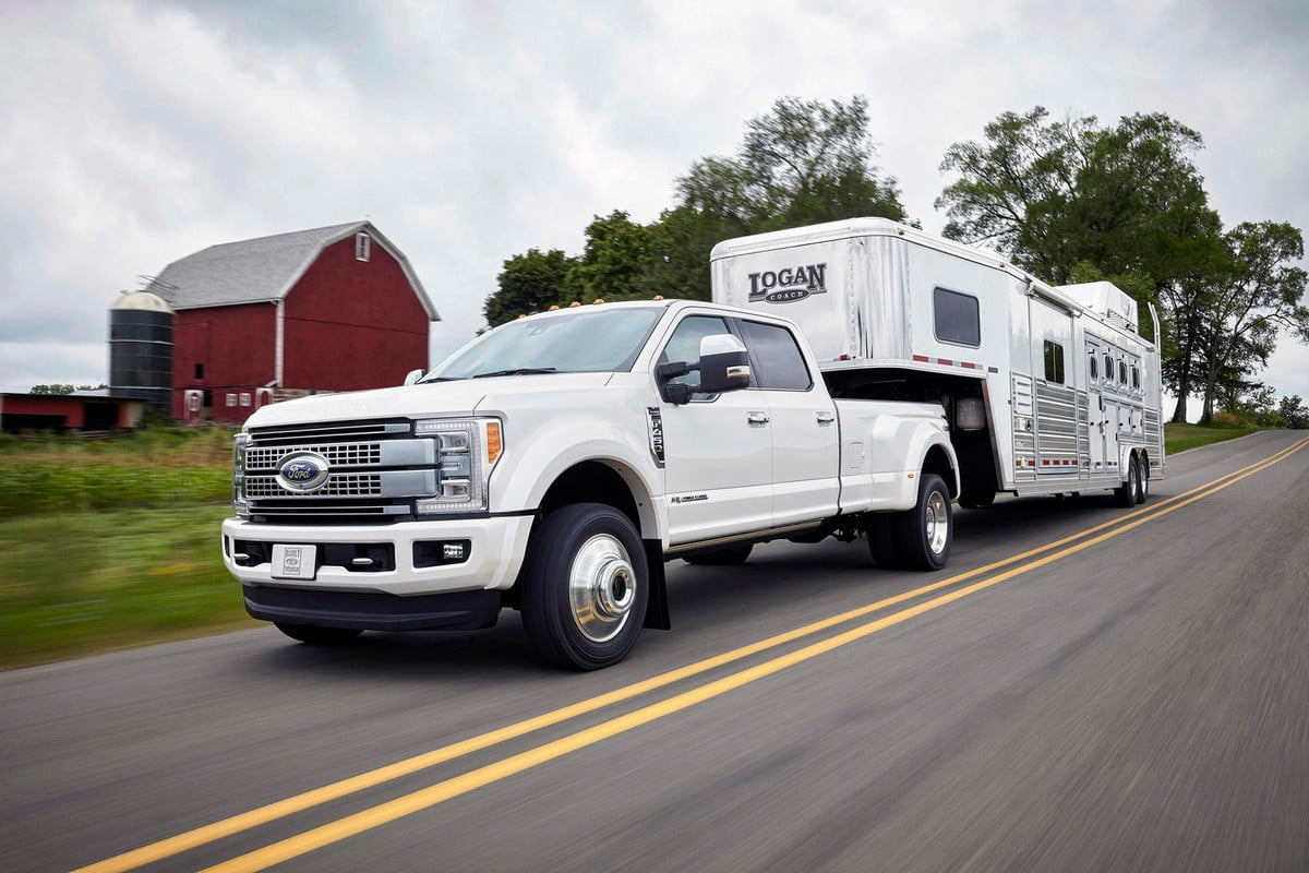 ford f series super duty tows pounds platinum crew cab x