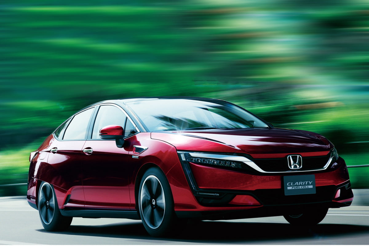 honda clarity fuel cell joined by plug in hybrid