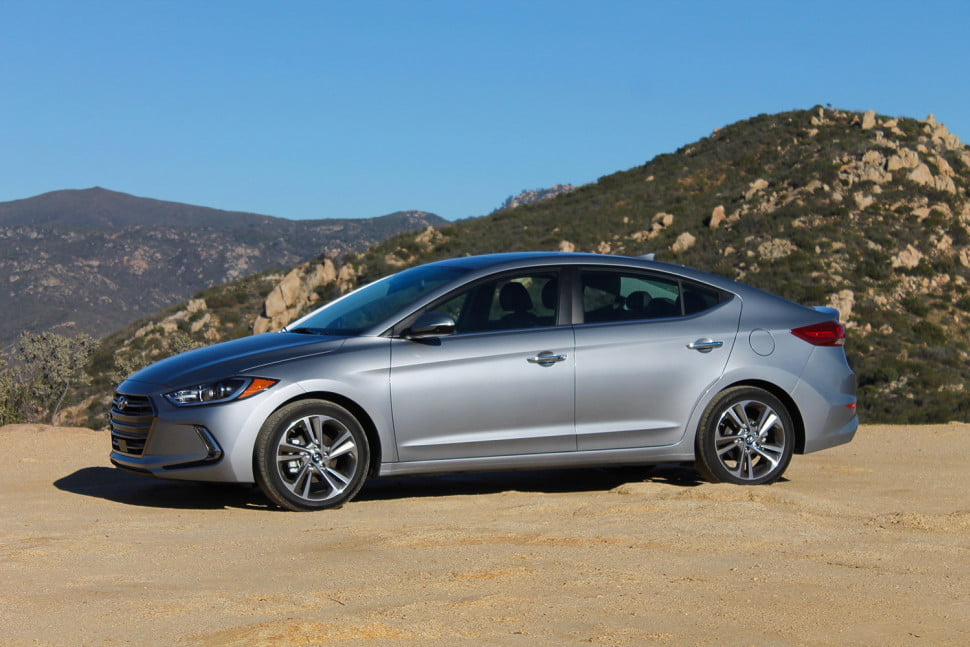 2013 hyundai elantra limited price specs features holidays oo. Black Bedroom Furniture Sets. Home Design Ideas