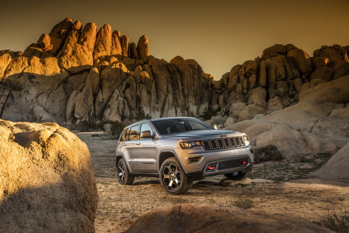 jeep takes the grand cherokee in new directions with trailhawk and summit models