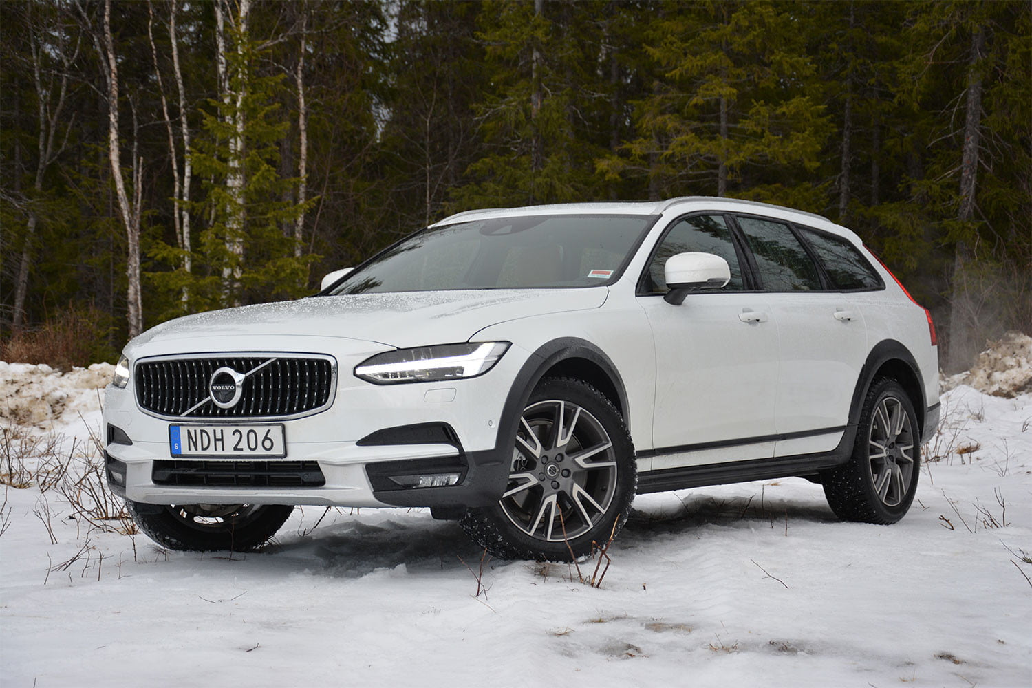 apollo  another mission volvo v cross country