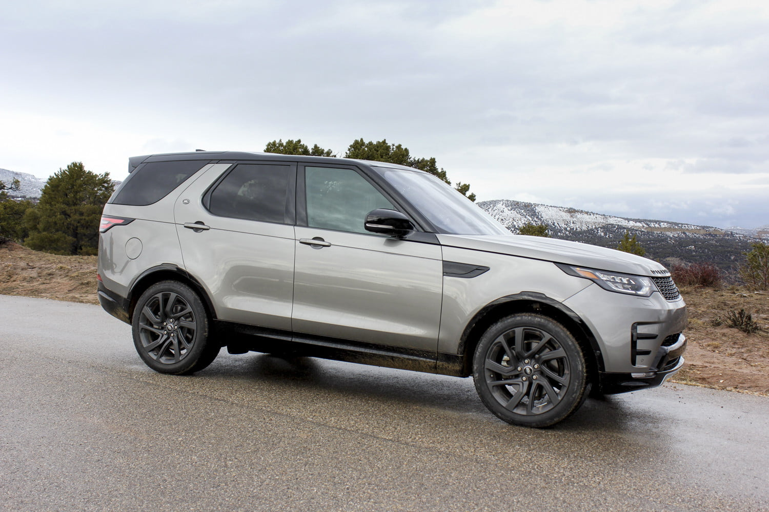 2017 land rover discovery first drive. Black Bedroom Furniture Sets. Home Design Ideas