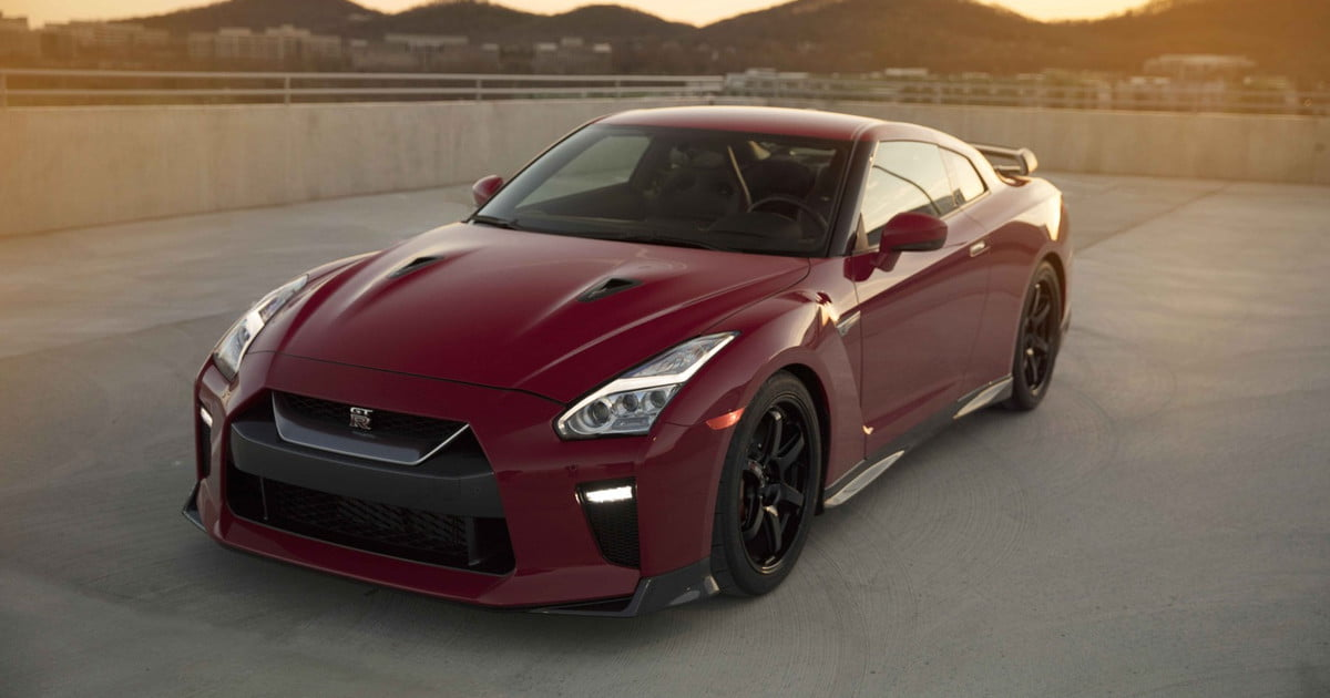 2017 nissan gt r track edition photos details specs digital trends. Black Bedroom Furniture Sets. Home Design Ideas