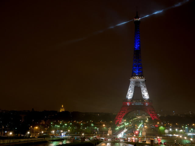 paris airbnb neighbor issues eiffel tower