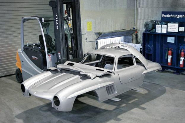 Mercedes 300SL replica disassembled