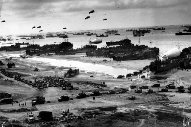 google pays tribute to d day with photos images of official documents  fcea c b