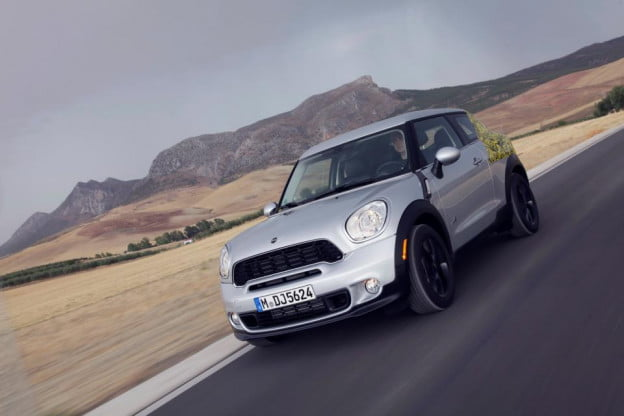 Mini Paceman preview front motion view
