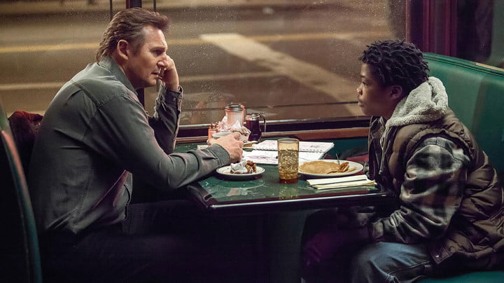 a walk among the tombstones review screenshot