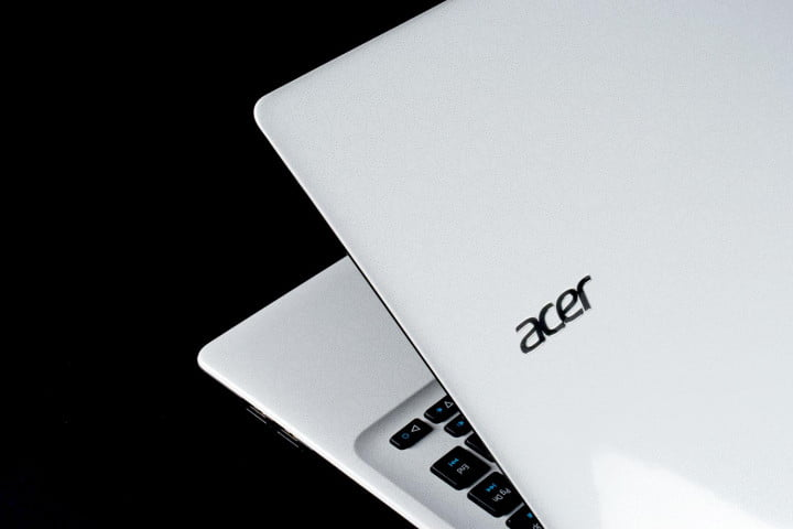acer aspire e  review lid angle