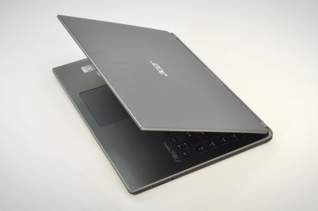 Acer Aspire M5 Review rear lid top intel ultrabook