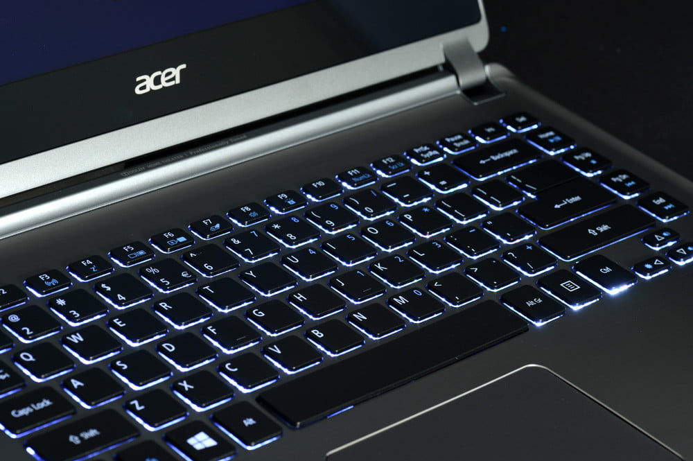 Acer Aspire M5 Touch Review backlit keyboard