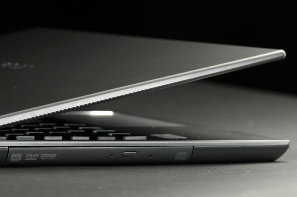 Acer Aspire M5 Touch Review side lid open