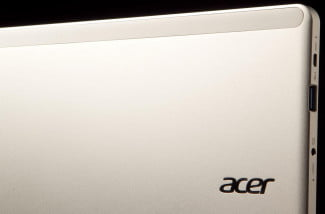 Acer Aspire P3 review back logo