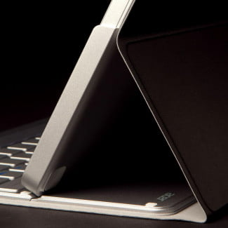 Acer Aspire P3 review case stand