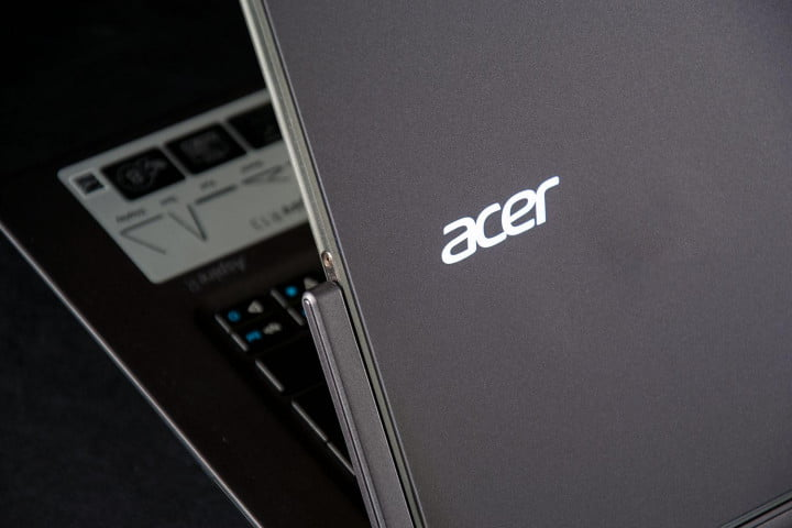 acer aspire r  review back edge