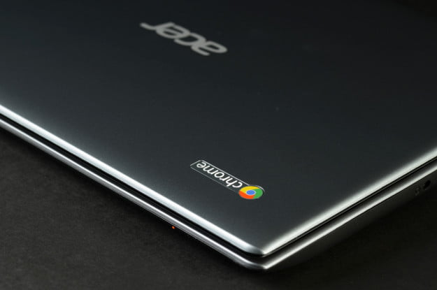 Acer C7 Chromebook Review lid logo google chrome