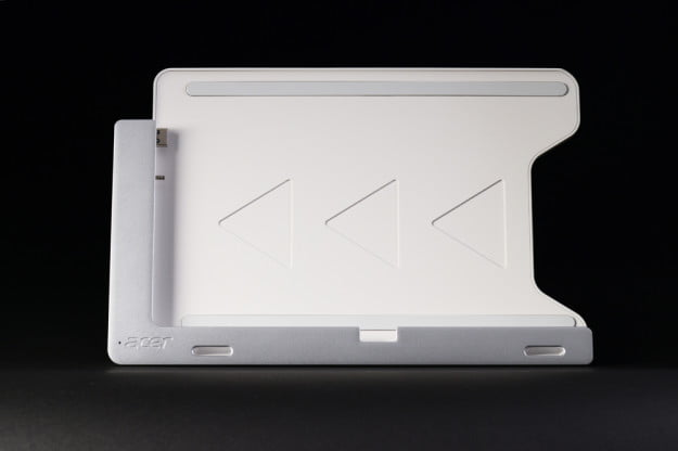 Acer Iconia W700 review dock