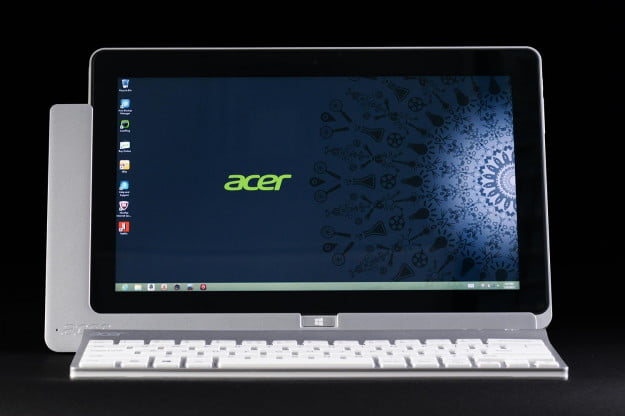 Acer Iconia W700 review front screen on