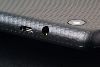 ACER Iconic ONE 7 top ports