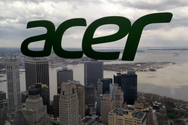 acer business split logo world trade center one