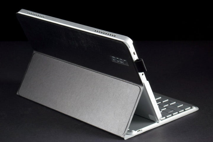 acer travelmate x tmx  review m back angle