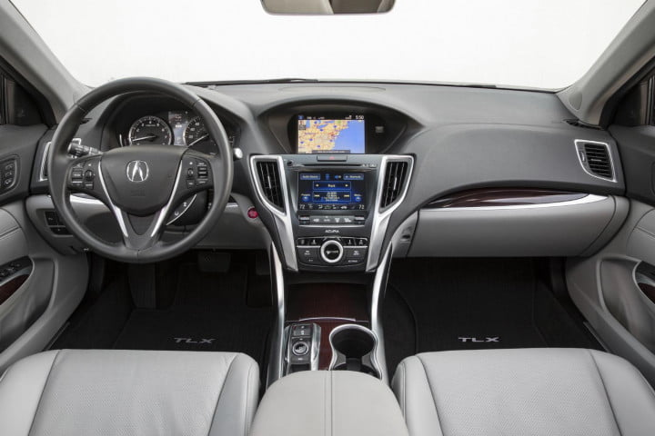 screen two far acura infiniti start worrying trend infotainment acuralink