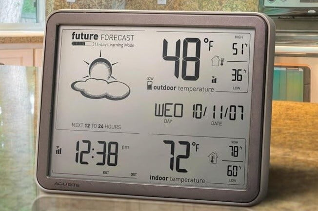 acurite-75077-weather-forecaster-with-jumbo-display-remote-sensor-and-atomic-clock-cropped