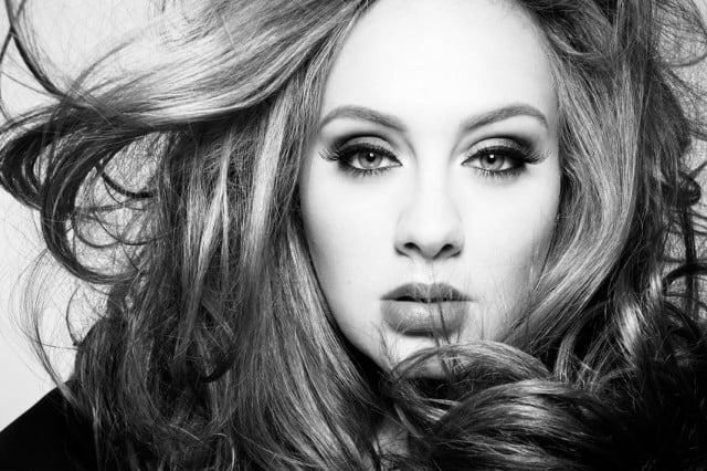 adele  sold million albums in days