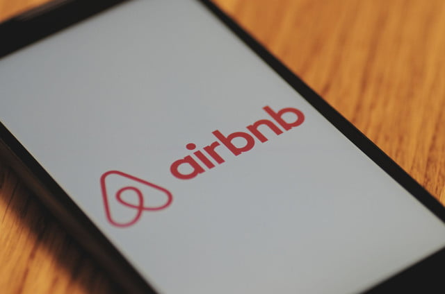 airbnb valued at  billion after million funding