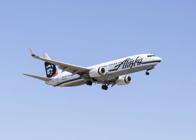 biofuel reduce engine pollution airplane alaska airlines