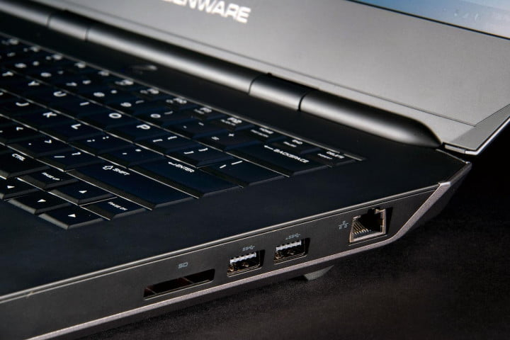 alienware  review right ports