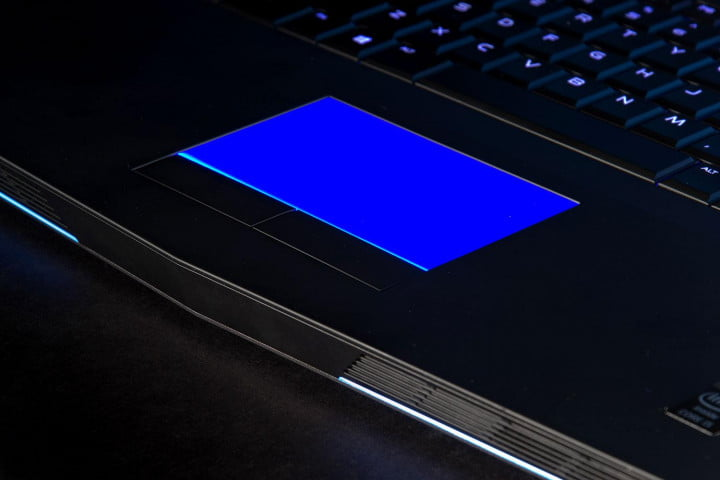 alienware  review trackpad lit