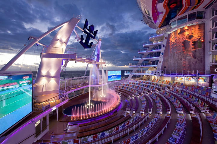 worlds largest cruise ships allure of the seas