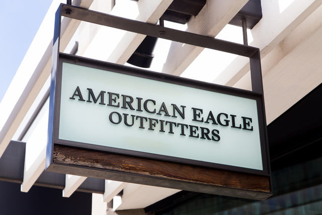 american eagle aerie photoshop ban lingerie models outfitters sign