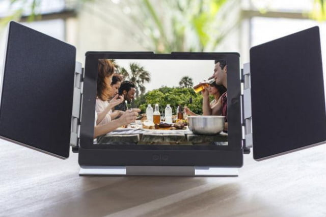 amp for ipad air is a tablet case doubling as speaker system main