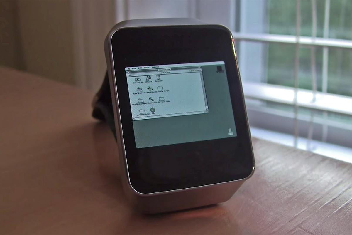 this guy turned his android wear device into an apple watch sort of macintosh ii