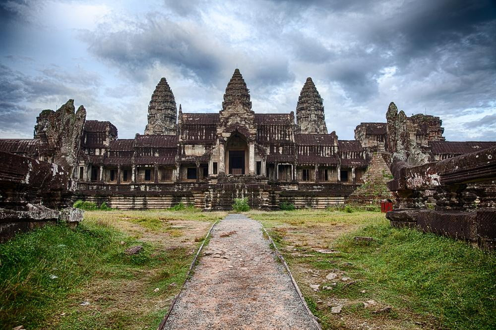google street view explores angkor  year old temples
